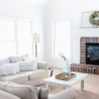 Cozy Farmhouse Family Room | oldsaltfarm.com #farmhousestyle #familyroomdecor #familyroomideas