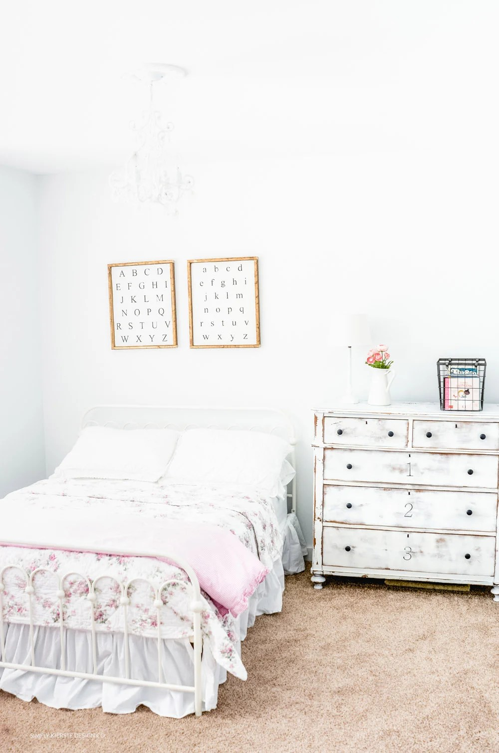 Vintage Style Shabby Chic Bedroom