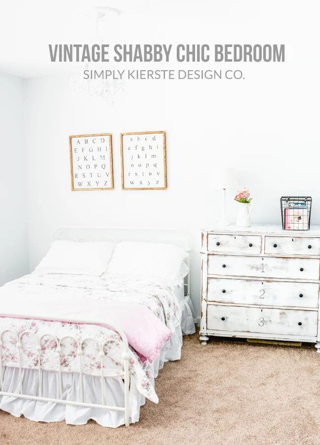 Vintage Shabby Chic Girls Bedroom #vintagestyle #vintage #shabbychic #shabbychicbedroom #shabbychicgirlsbedroom #vintagebedroom #vintagebedding #shabbychicbedding #farmhousestyle #farmhousebedroom