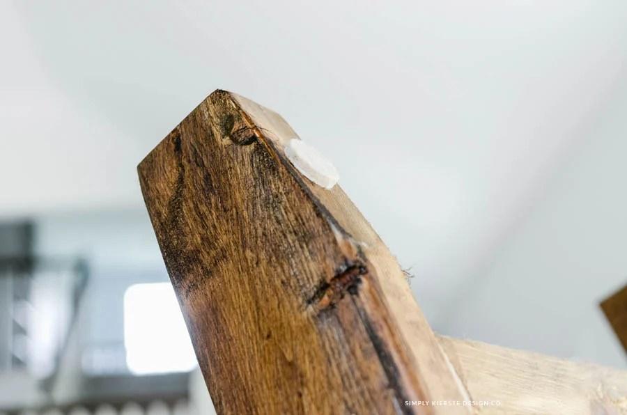 DIY Wood Blanket Ladder | oldsaltfarm.com
