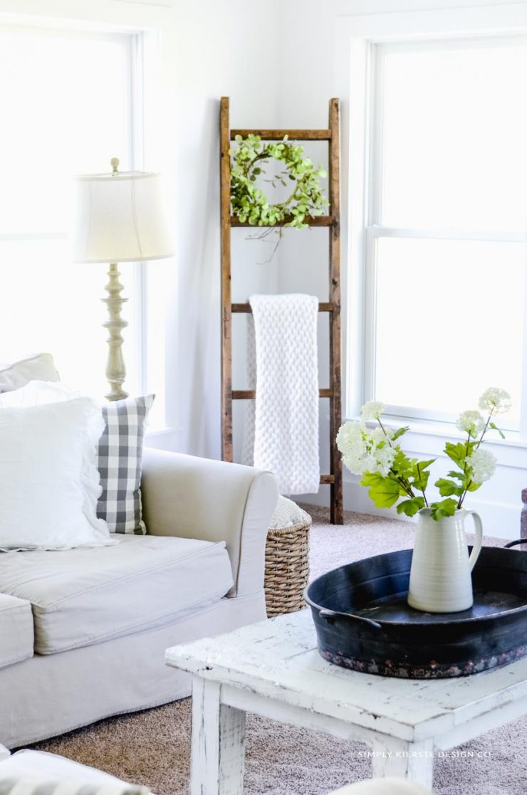Easy $15 DIY Wooden Blanket Ladder