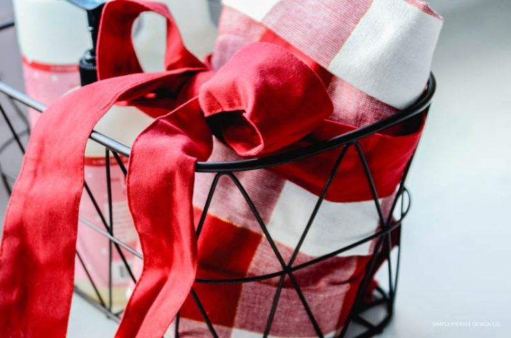 6 Budget Friendly Gift Ideas | Kitchen Gift Basket