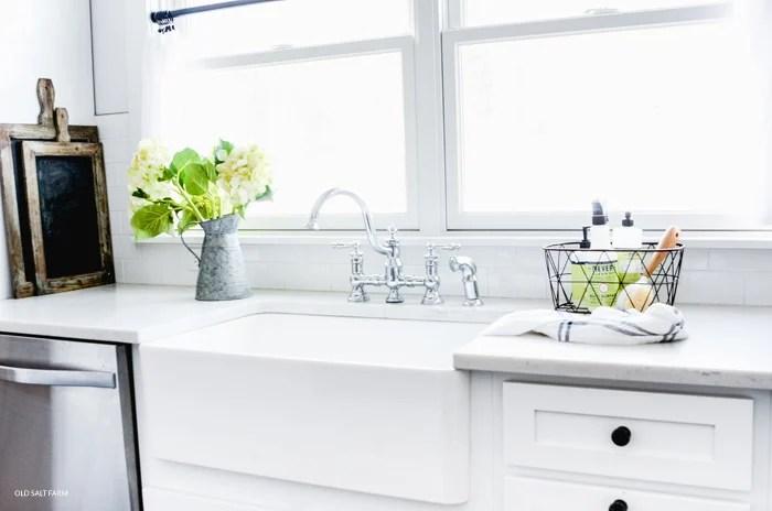 Farmhouse Sink Pros and Cons | Farmhouse Kitchen