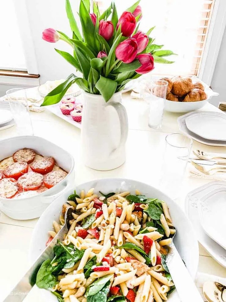 girls-brunch-spring-farmhouse-table