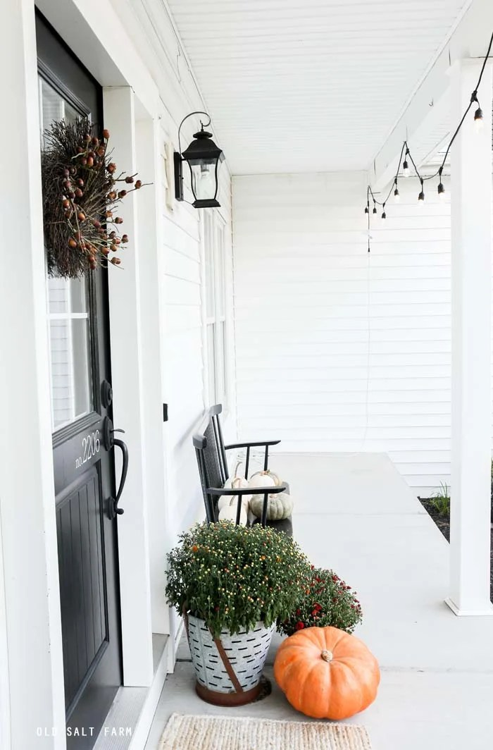 Simple Farmhouse Fall Porch Decor