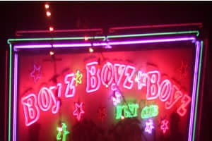 Boyz sign