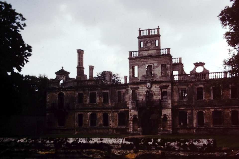 Northants - Northants-1978-01-Kirby-Hall.jpg