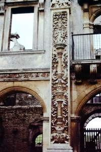 Northants - Northants-1978-03-Kirby-Hall.jpg