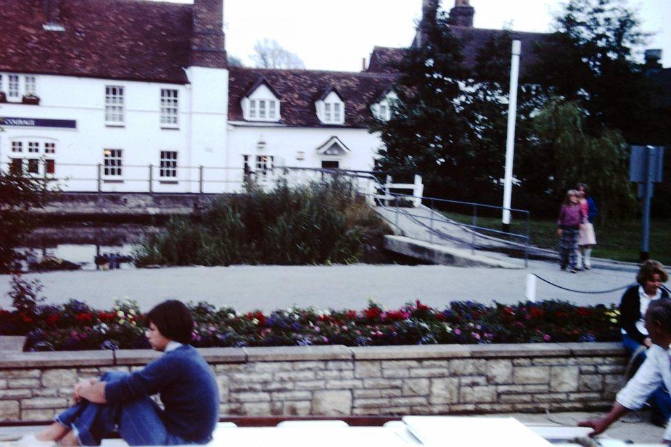 Oxford - Oxford-City-1977-03-Lock-Inn-on-Thames.jpg