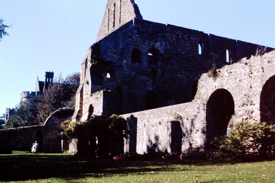 Sussex - Sussex-1974-21-Battle-Abbey.jpg