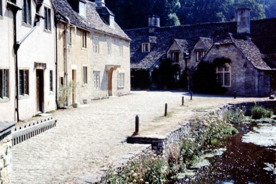 Wiltshire - Wiltshire-01-Aug-1979-Castle-Combe.jpg