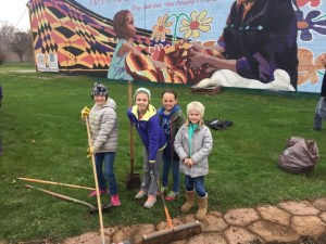 old southside 2017 great indy cleanup kids volunteer at welcome garden