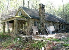Huntington West Virginia Stone Cottage, old stone houses, old stone homes, masonry, historic preservation, fixer upper for sale