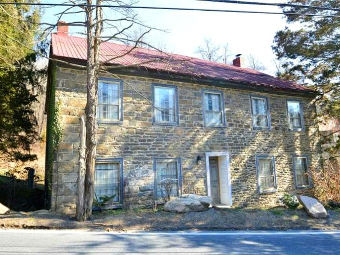Old stone homes for sale old stone houses for Pennsylvania stone farmhouses