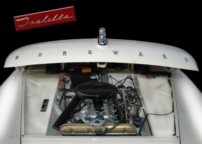 Borgward Isabella engine details in black-white 02
