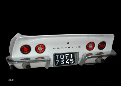 Corvette C3 in white minimalism pure