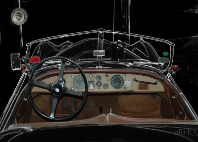 Jaguar XK 120 OTS Roadster LH Interieur