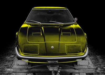 Maserati Indy in black & yellow mix