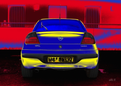 Opel Tigra in blue & yellow 01