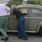 VW Käfer Baujahr 1959 und total fahrunfähig nach über 45 Jahren Standzeit