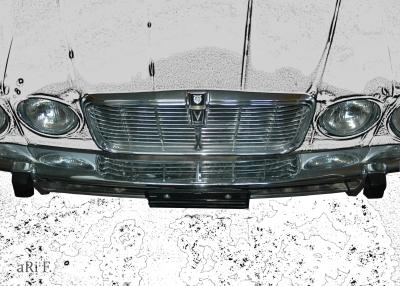 Jaguar XJ Series II in white & black