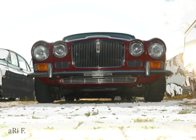 Jaguar XJ Serie 2 in red