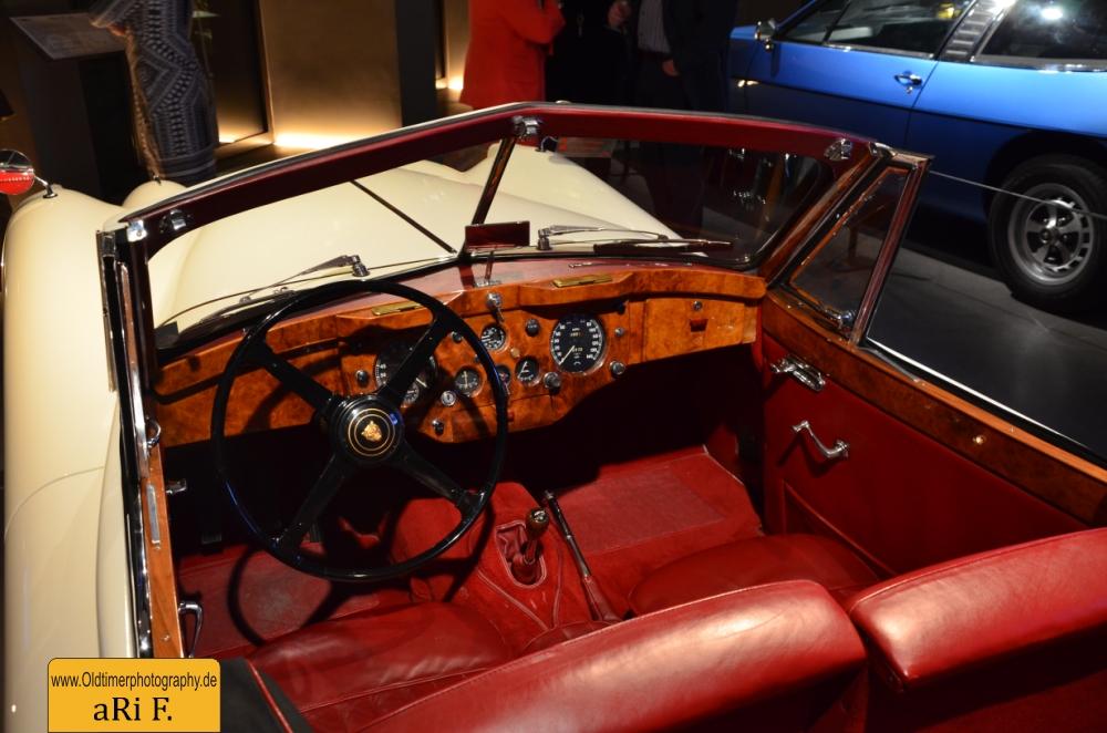 Jaguar XK 140 Interieur