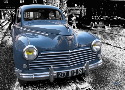 Peugeot 203 in black & blue (Originalfarbe)