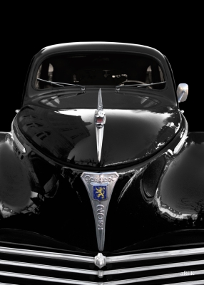 Peugeot 203 in black & black front