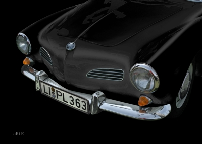 VW Karmann-Ghia in black & darkblack