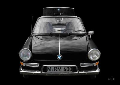 BMW 700 in black & black 01