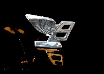 Bentley Flying B - Kühlerfigur Poster