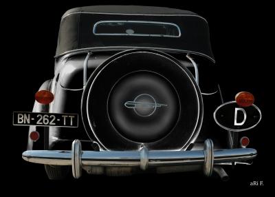 Opel Super 6 Cabriolet in black & black (Heckansicht)