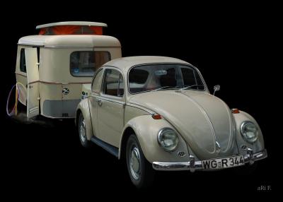 VW 1300 mit Eriba Familia Wohnwagen Poster in Originalfarbe