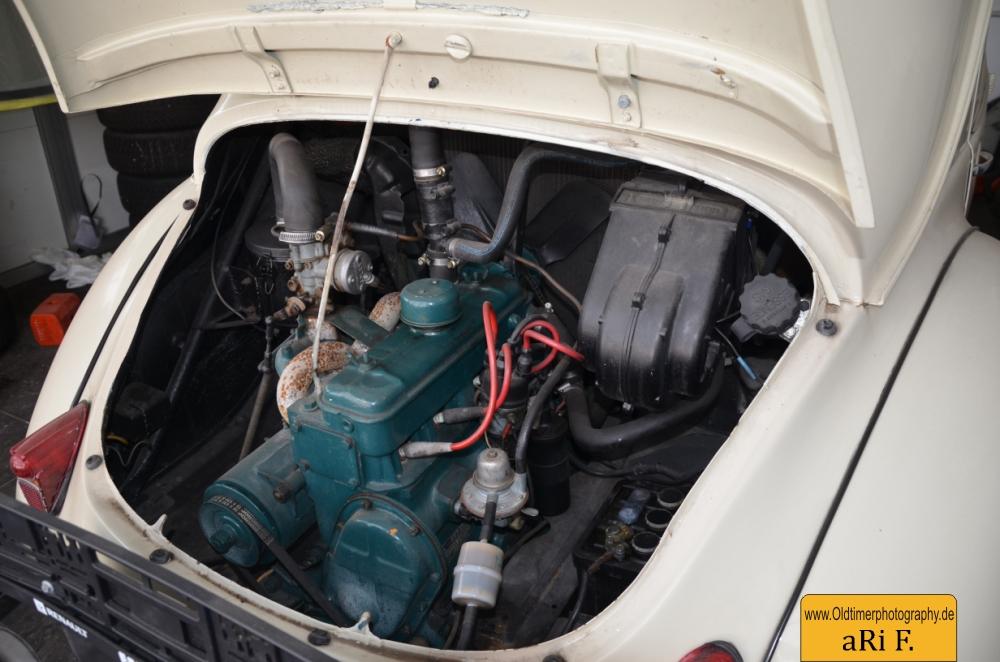 Renault Heck 4CV Motoransicht