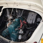 Renault Heck 4CV Motoransicht, der Wasserkühler ist hinter dem Motor eingebaut.
