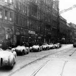 Parade der siegreichen BMW Mannschaft in München nach dem I. Gran Premio Brescia delle Mille Miglia (28.04.1940)