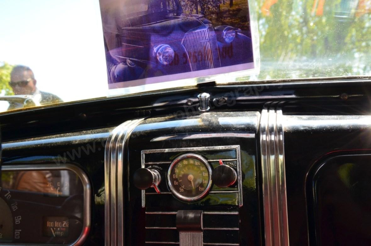 Chevrolet Master Coupe 1937 Analoguhr mit Radio