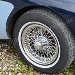 Austin-Healey 3000 Mk II mit Weißwandreifen von Vredestein und verchromten Speichenfelgen