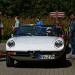 Alfa Romeo Spider bei der Einfahrt