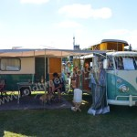 VW Bus T1 Westfalia mit Eriba Familia Wohnwagen beim Hymer Museumsfest 2017