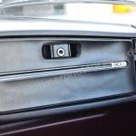 Saab 900 Sedan mit verschließbaren Ablagefach mit Schriftzug 900