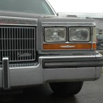 Cadillac Fleetwood Brougham in Frontansicht Detail