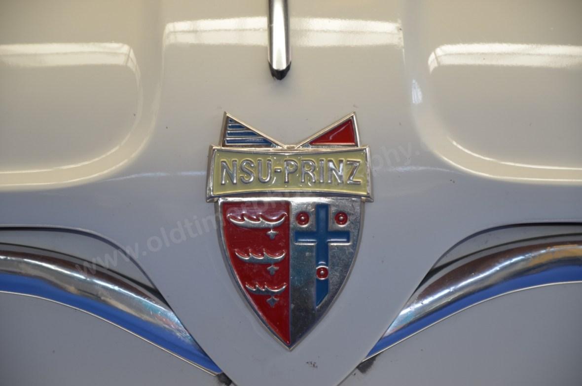 Logo NSU Sport-Prinz auf Kofferraumhaube