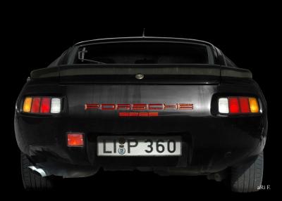 Porsche 928S Poster in black