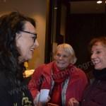 Gabriela Unbehaun-Maier mit Gästen der Vernissage im MAC Singen
