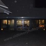 MAC Museum Art & Cars mit Blick vom Restaurant hinüber zu den Ausstellungsräumen