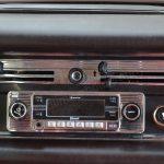 Mercedes-Benz W 110 190 Radio im Classik Look und Belüftungsregler
