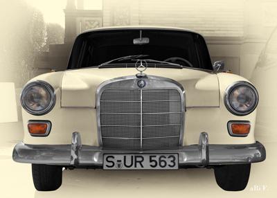 Mercedes-Benz W 110 Front in antique