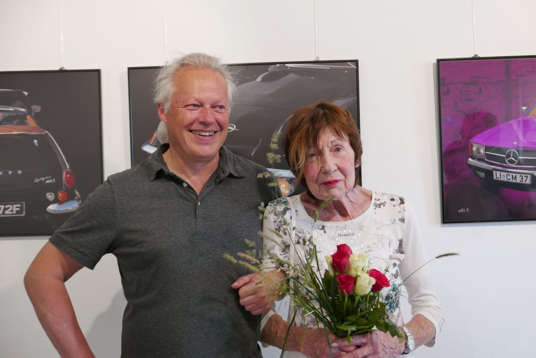 aRi F. Huber (aRi F. ist ein Spitzname, kein Künstlername!) und Erika Lohner mit der ich seit über 25 Jahren und auch durch viele Ausstellungen miteinander befreundet bin.